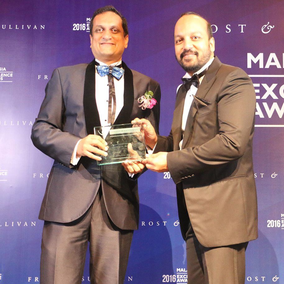 Entrepreneurial Company of the Year in Digital Marketing - Moving Walls.jpg