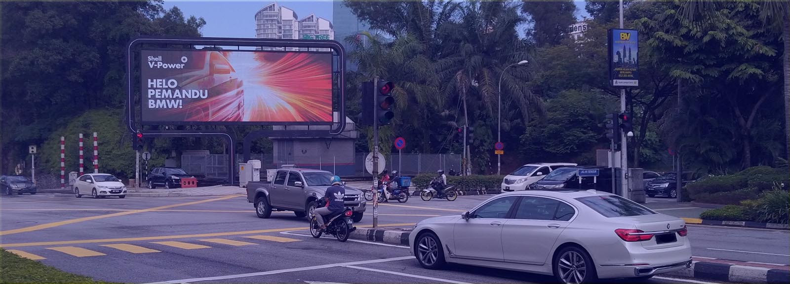 dynamic-dooh-by-moving-walls